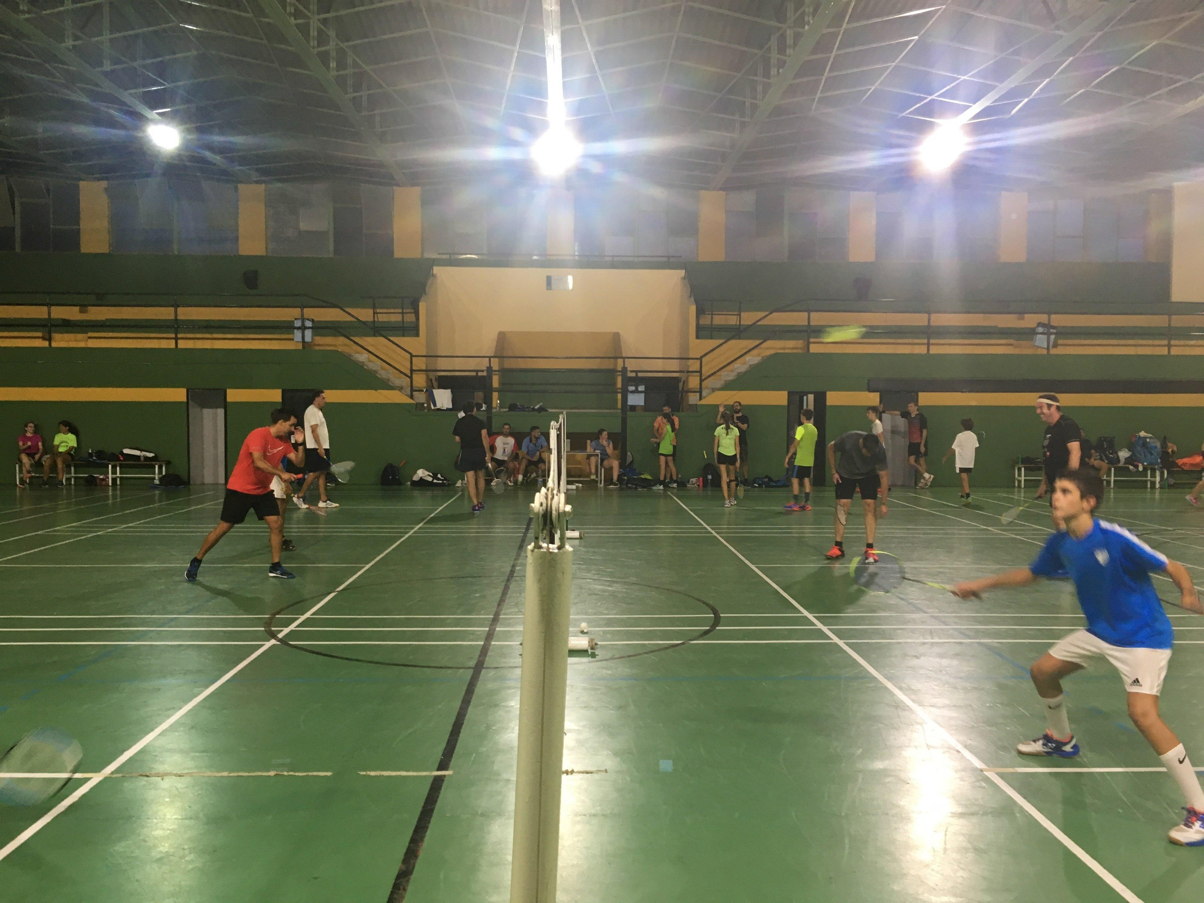 Alquiler pista de badminton